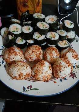 Sushi salmon dan onigiri simple