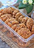 Oatmeal cookies with almond