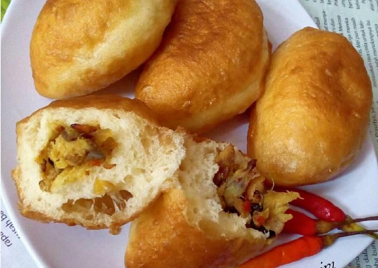 Resep Roti Goreng eggless isi ikan pindang suwir (panada) Dari Ribka Arini