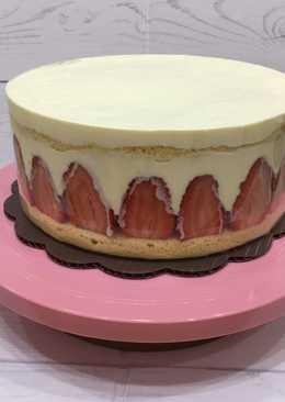 Strawberry shortcake keto birthday cake