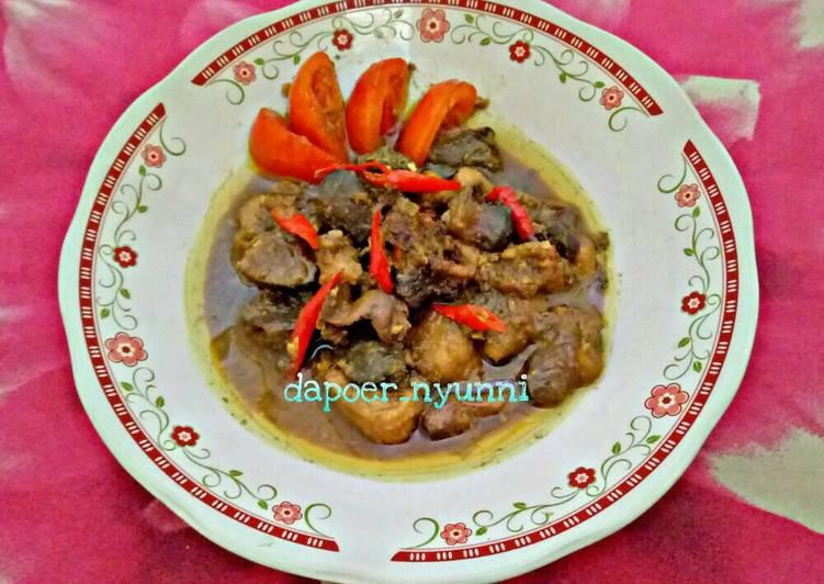 diamkan sebentar hingga lemak ayam keluar Resep Tongseng Ati, Ampela  Tetelan ayam Oleh Dhipa_dhip