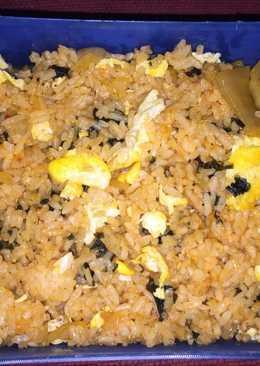 Kimchi Pokkeumbap (Nasi Goreng Kimchi ala Korea)