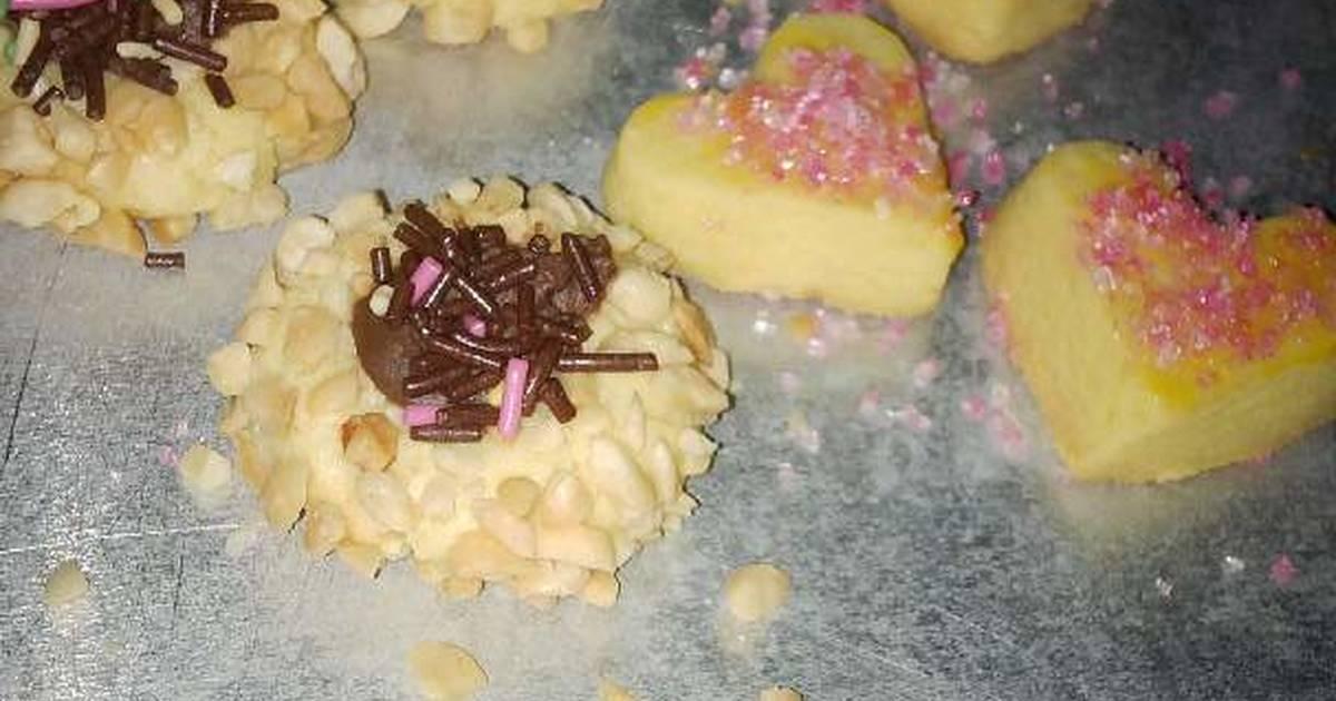 Resep Peanut and Pink Sugar Cookies