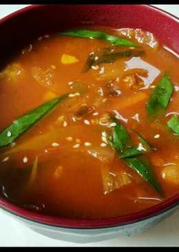 Kimchi jjigae (sup kimchi) simple