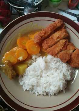 Japanese golden curry with chicken katsu