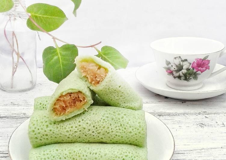 Dadar Gulung isi Unti Kelapa (tips membuat kulit bopeng cantik) foto resep utama