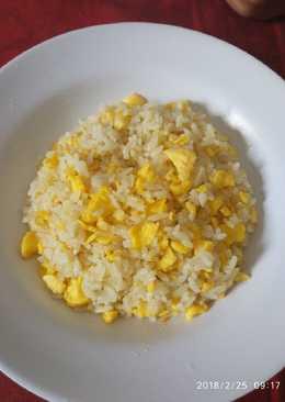 Nasi goreng mentega (bekal anak)