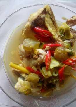 Sup asam (belimbing wuluh) ikan ekor kuning