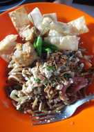 Mie goreng topping ayam ala cwie mie