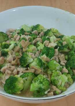 Brokoli Cah Ayam Jamur (Chinese Chicken Broccoli Mushroom Sauce)