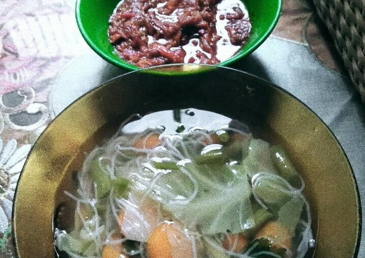 Sayur sop bihun simple + sambal tomat matang