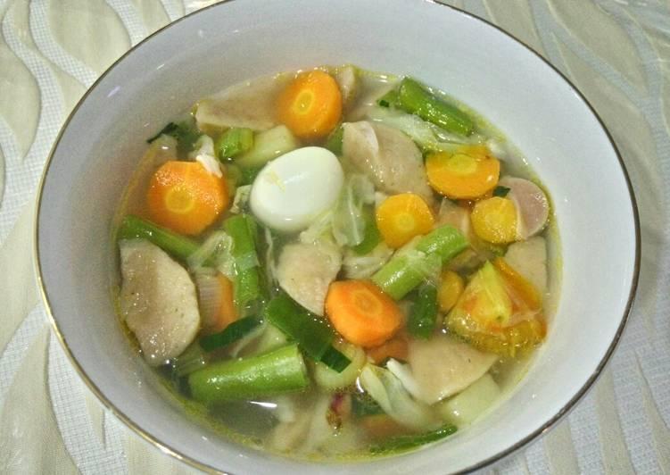 Sayur Sop (Pakai Sosis, Bakso, Telur Puyuh)