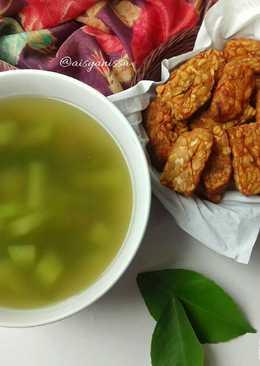 Sayur Asem dan tempe goreng