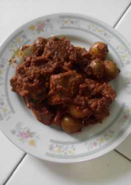 Rendang daging sapi kentang