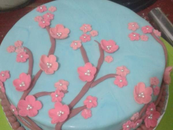 Fondant sakura cake