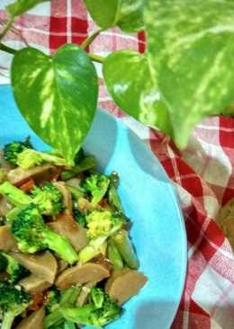 Tumis Bakso Brokoli
