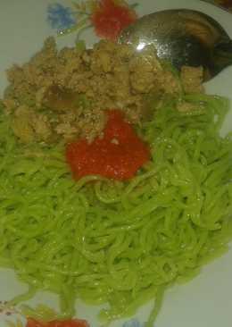 Mie ayam hijau