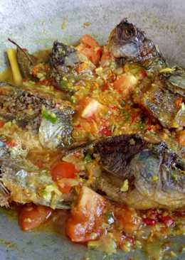 Baby Ikan Nila Asam Pedas