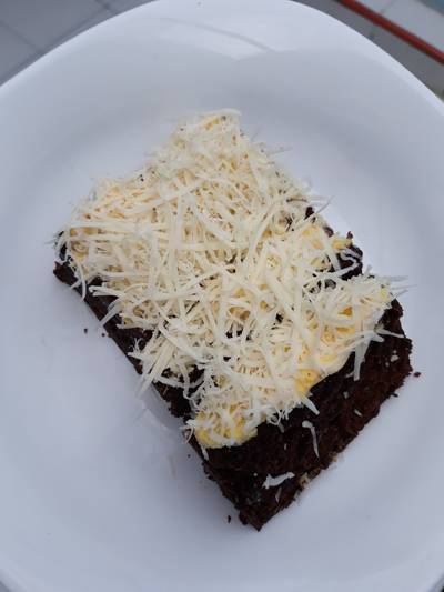 Brownies Kukus Coklat Topping Keju