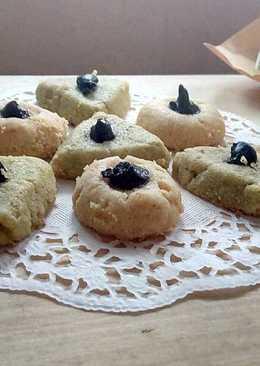 Thumbprint cookies (original and matcha flavour) #beranibaking
