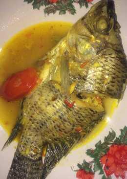 Ikan mujair kuah kuning