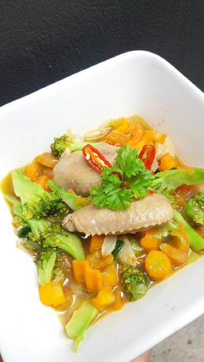Sop Ayam Brokoli Wortel Sehat
