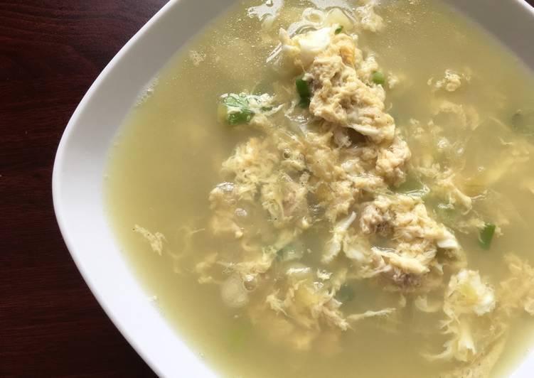 mudah dan cepat yang ditulis Ekitchen bisa disajikan  Resep Sup telur trio bawang, mudah dan cepat Dari Ekitchen