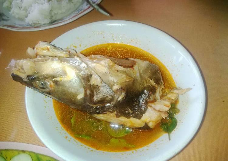 Pindang ikan ikan baung khas palembang