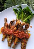 Sambel ikan laut goreng