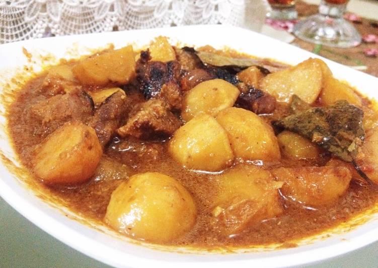 Resep Semur Daging #prRamadhan_masakbesar Oleh Ulfah Khairani