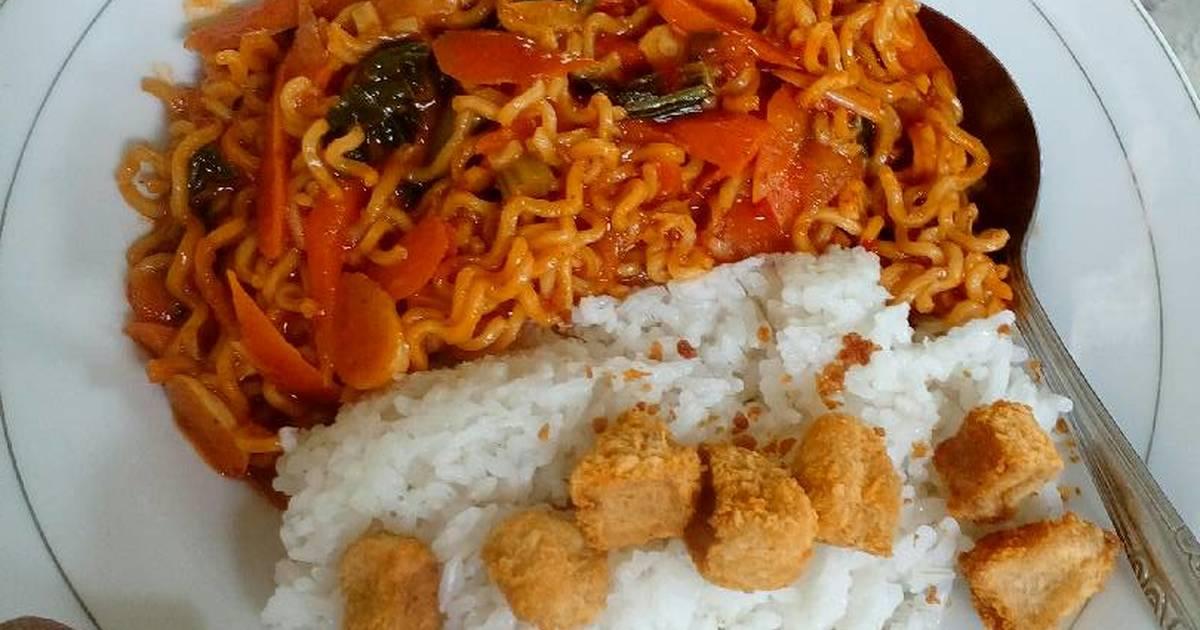 Resep Mie goreng pedas oleh Wina Pertiwi - Cookpad