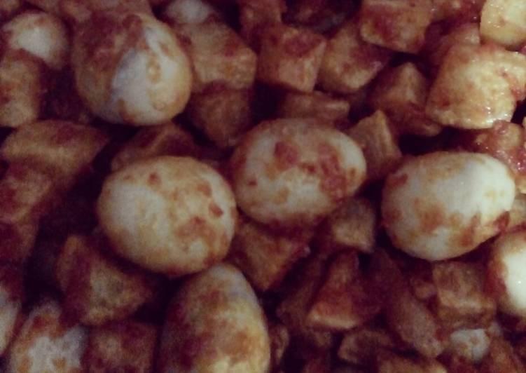 Balado kentang telur puyuh pedas