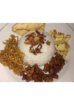 Nasi uduk rice cooker, lauk sederhana