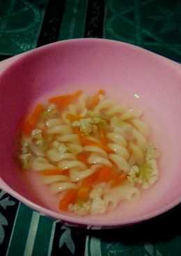 Sup Makbrotel (Makaroni,Brokoli & Wortel)