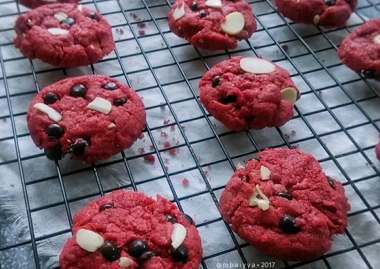 Red Velvet Almond Cookies