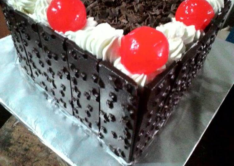 Resep Birthday Cake kukus Mudah oleh Mia Ananda Cookpad