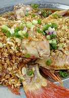 Ikan emas steam/kukus sayur asin(choi po cing)