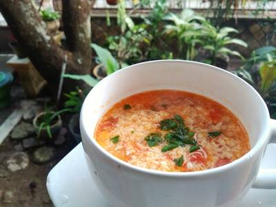 Sup Tomat Telur