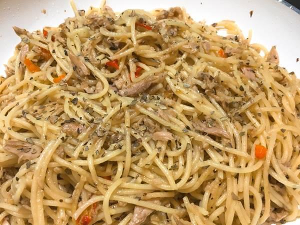 Spaghetti Tuna aglio olio simple & super yummy 👌