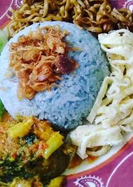 Nasi uduk biru magic com dengan pewarna alami