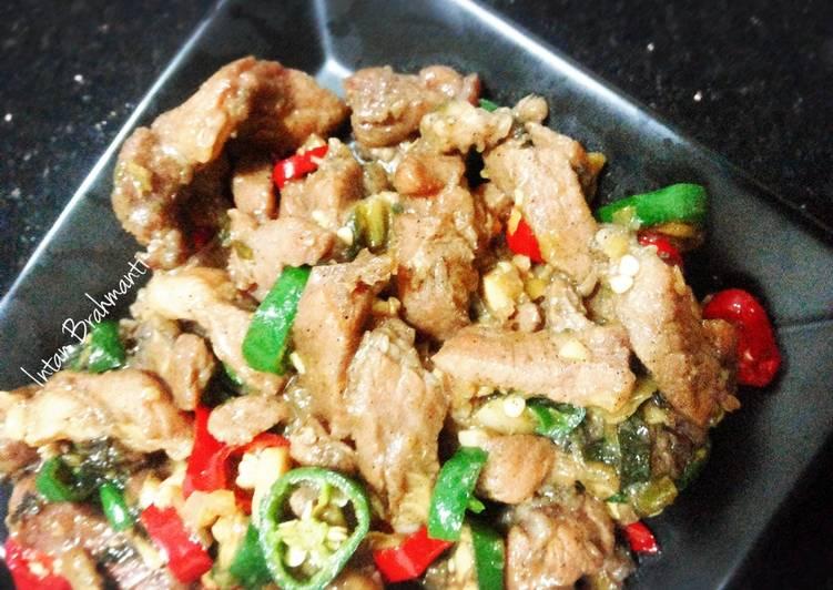 Pad Moo Tumis Daging Babi A La Thai