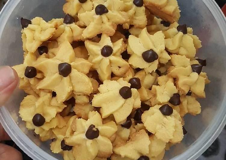 resep Cookies bunga chococip