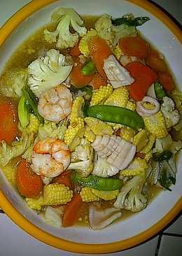 Capcay Seafood Udang Dan Cumi
