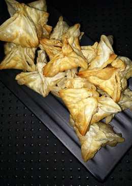 Kulit pangsit goreng isi daging sapi cincang