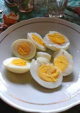 Trik merebus telur matang dalam 5 menit