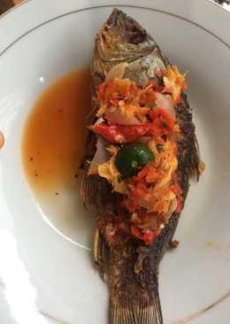 Sambel Sunda pecak ikan emas