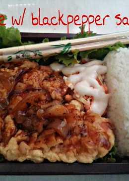Chicken karage w/ blackpepper saus + salad coleslaw manntepp ^^