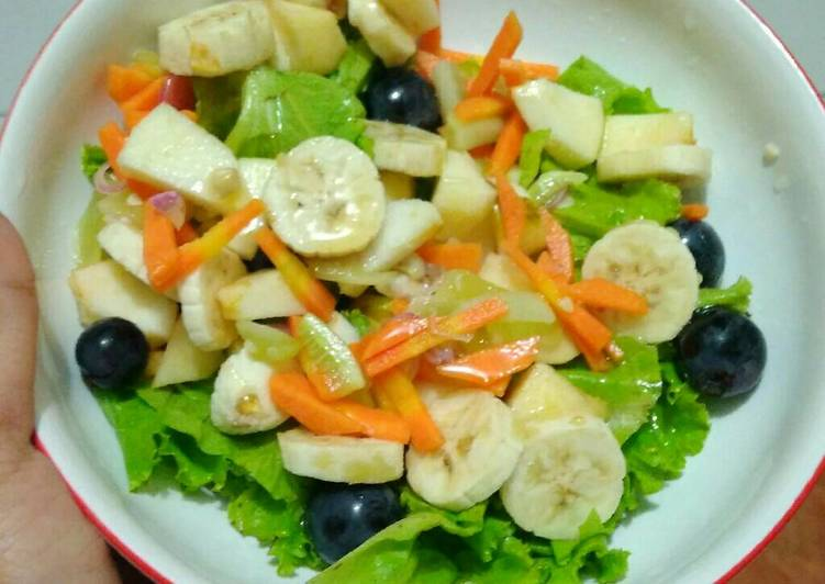 bahan dan cara membuat Salad buah dan sayur ala Mrs Bam