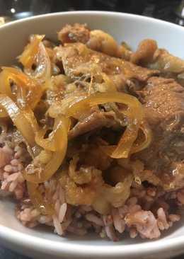 Authentic Yoshinoya Gyudon (Beef Bowl) Simple & Yummy!