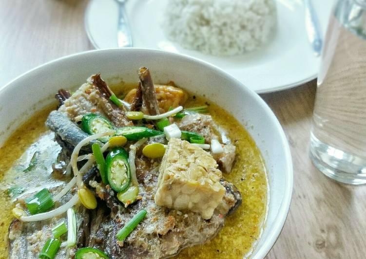 Resep Mangut Ikan Pari Asap Karya Dewi Mahardika